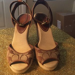 Coach wedge ankle shoesTrade200🤗